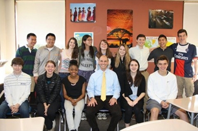 Dr. Jeffrey Shea with his global leadership class